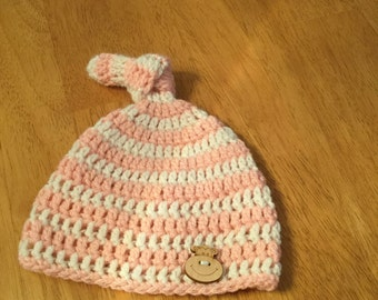 Crochet baby beanie with knot