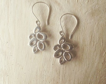 Silver earrings, dangle earrings, circle earrings, handmade accessories, gifts for her, boho earrings, boho accessories