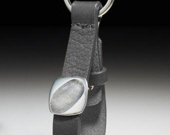 Leather key ring with Fingerprintplatte