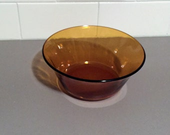 Vintage 1970s Duralex Amber Tempered Salad Bowl / Chip Bowl / Mixing Bowl - 19cm Diameter - Made in France