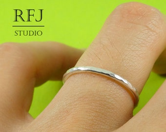 Stacking Silver Hammered Ring, Ring with small Texture, Textured Ring, Stackable Sterling Ring, 925 Silver Hammered Ring, Polished Ring