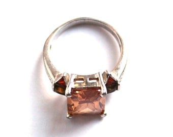 Citrine Sterline Silver Ring featuring Large Center Citrine