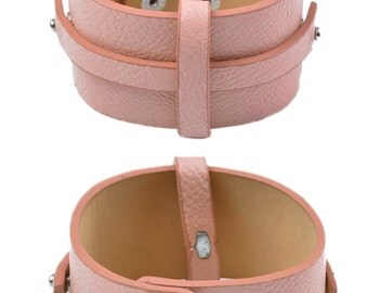 Semi ± 21x4cm, adjustable leather strap able ± 18-20cm (suitable for between other sliding beads)