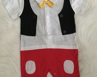 Super nice putfit mickey mouse