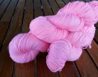 Flamingo, hand dyed merino single ply hot yarn