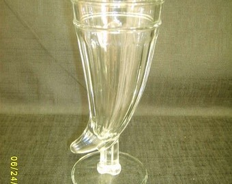 Powder Horn Malt/Shake Glass Ca. 1970's