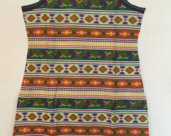 Sleeveless multicolour geometric print tunic. Size Large