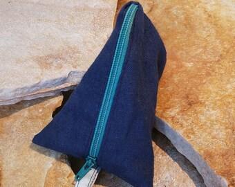 Triangle purse, pyramid pouch (blue)