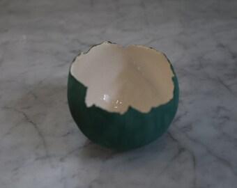 Green eggshell bowl