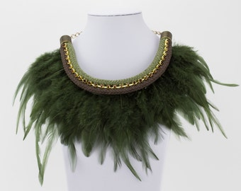 Collar of feathers Green Khaki Ref: C0191