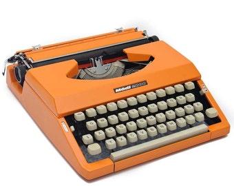 """German 1970s typewriter """"Mädi 2000"""""""