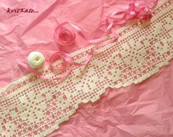 Knit crochet lace. Done in crochet loin.