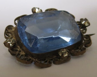 Antique Edwardian pretty SAPPHIRE PASTE, filigree and clear paste brooch pin