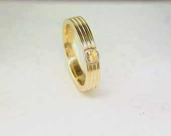 Yellow 18ct Gold Ring set with a Spirit Sun Yellow Sapphire