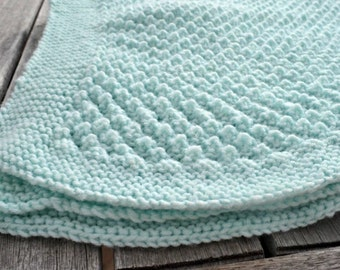 Popcorn knitted blanket
