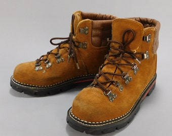 Vintage 1970s Hiking Boots / 1980s Trail Boots / Ozark Trail Hikers  / Leahter Boots / Mens Camping Shoes