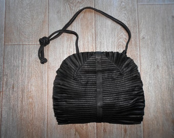 Violette Cornille : black silk satin evening bag, vintage 50s luxury female clutches Made in France Paris couture retro clutch old clutches