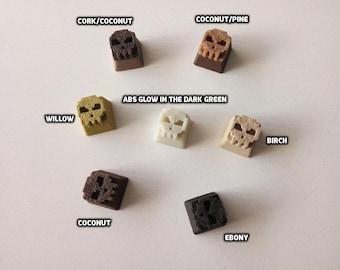 Wooden Cherry Mx 8-Bit Skull Keycap (R4 - 1x1)