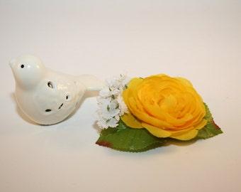 Yellow Flower Hair clip, Yellow Flower Petal Hair Clip, Yelow and White Flower Hair Clip, Canary Hair Clip