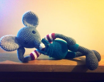Crochet mouse with T-Shirt and trousers