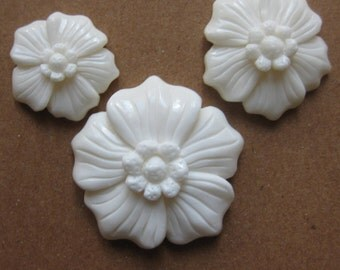 MS 19mm Carved Bone Hibiscus Flower Cabochon Cab Fair Trade Bali Indonesia