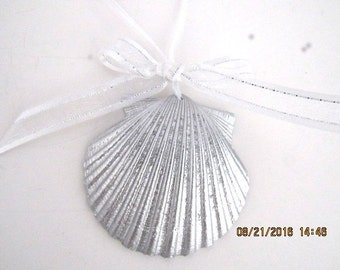 Beach Wedding Favor, Silver Metalic Painted Real Seashell with a Bow, Pick Any Ribbon Color, Nautical Hanging Ornament, Island Wedding Decor
