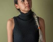 black ribbed knit sleeveless sweater / sleeveless turtleneck / black top / s / 1774t / B18