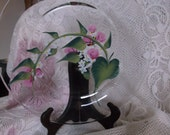 Glass Plate. Pink rose buds/white foral design.