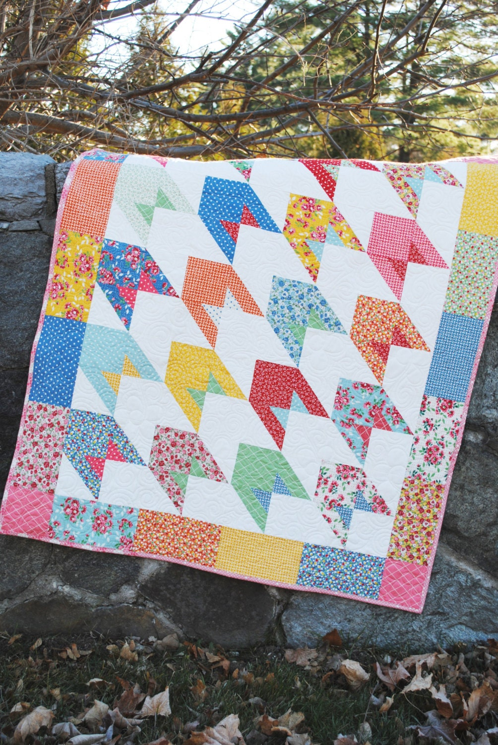 Twin Quilt Patterns Free : Baby Lap or Twin QUILT PATTERN....Layer Cake and Fat Quarter