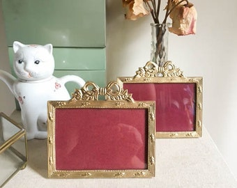 Cute Vintage 70s Pair of 2 Mini Gold Brass Made in India Bow Picture Frames