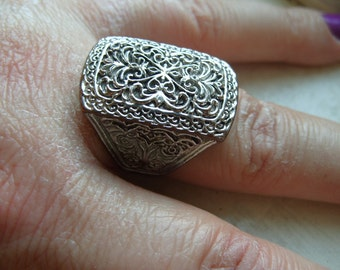 FREE SHIPPING Vintage Silvertone Filigree Ring Size 9 1/2