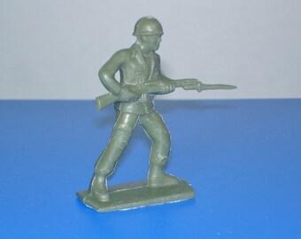 Vintage Plastic Green Army Man Tim-Mee Bayonet
