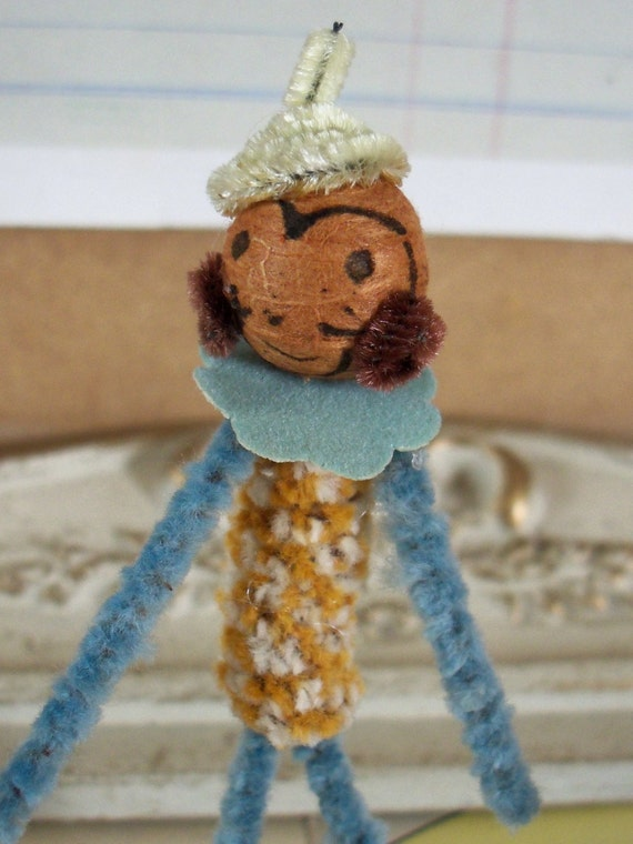 how to make a pipe cleaner monkey