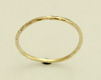 Solid yellow gold band, Womens simple gold band, minimalist wedding band, hammered gold ring, delicate gold band, thin band - Smile RG1595