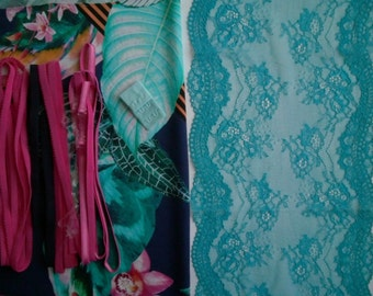 DIY Fabric and notions Multicolor print & Turquois Relief for 1 BRA and BRIEF by Merckwaerdigh