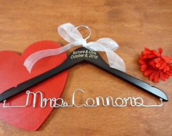 Wire Name Hanger - Custom Name Hangers - Bride Coat Hangers - Bridal Accessories - Wedding Dress Hangers - Personalized Hangers - Silver
