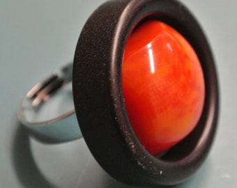 Large amazing adjustable silvercolor metal ring with black plastic and genuine tested vintage 1940s swirled square red/yellow bakelite bead