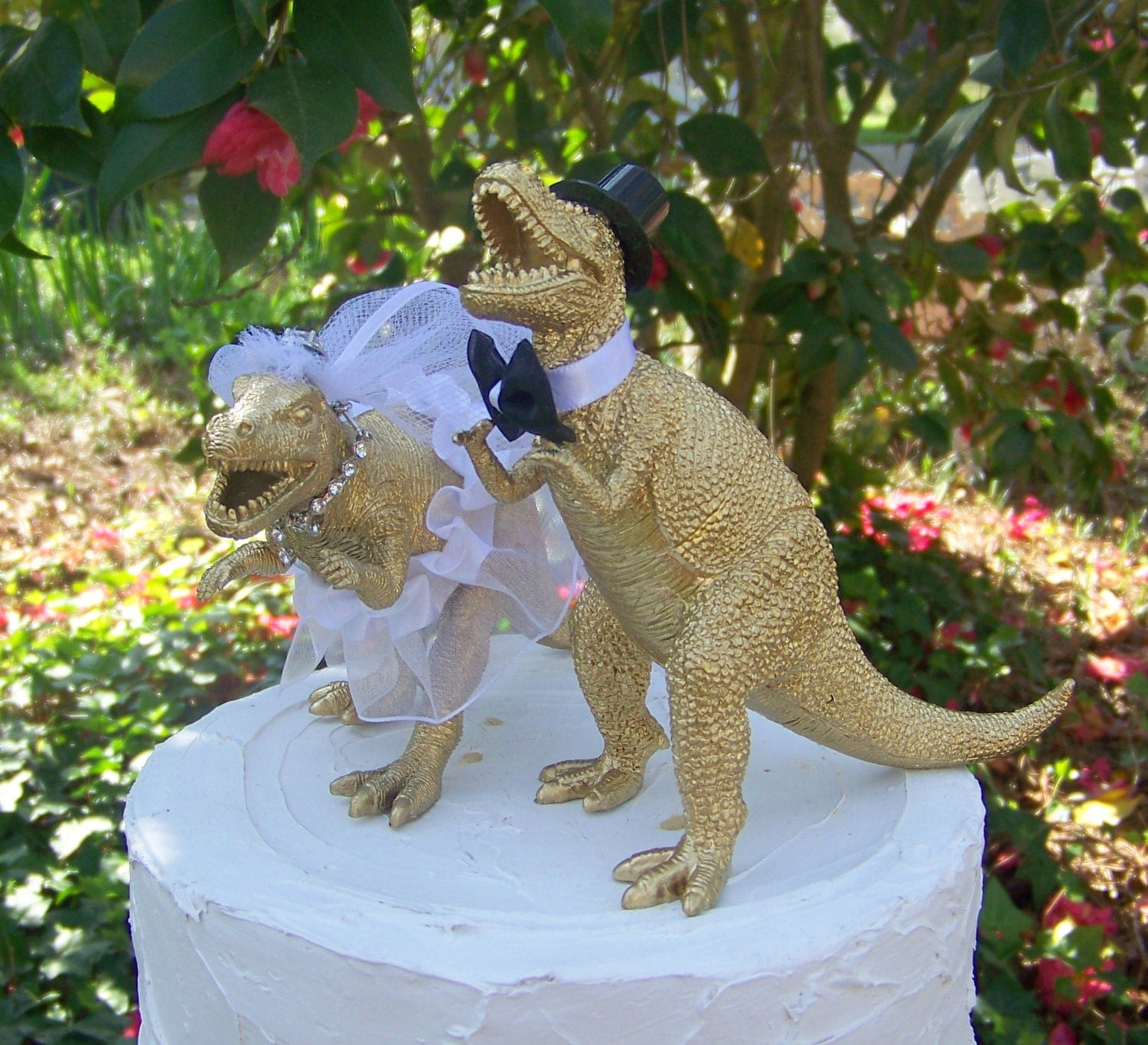dinosaur wedding cake dinosaur wedding cake topper and groom cake topper 13530