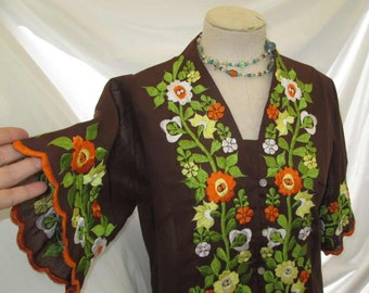 70s Vintage Embroidered blouse 70s Peasant blouse Brown top Orange Yellow flowers Green leaves vintage Boho Top 70s floral embroidery shirt