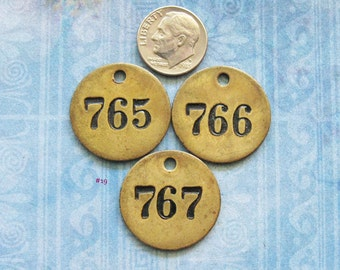 Painted Mini Brass Tag Lot Antique Victorian Numbered Motel Room Key Fob Diy Pendant Charm Steampunk