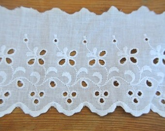 Vintage eyelet lace, cotton white trim lace, 1 yard, 4inch width, cut of the original pack