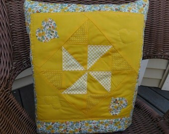 Quillow/Lap Quilt or Throw/Pillow - Windmill in Daisy Field