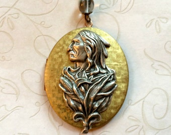 Native American Locket Necklace, Indian chief, oval photo locket, vintage brass