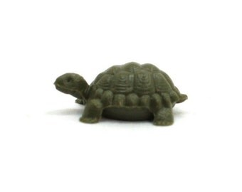 Turtles - Small - 8 pieces miniature turtles diorama project craft vintage turtles dollhouse gnome home fairy garden - 203-9-121