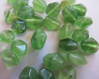 Vintage Glass Beads (12) Pretty Little a Grass Green Bicone Beads