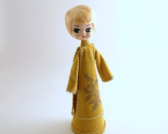 Vintage Girl Doll Big Eyed Doll Christmas Decoration
