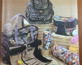Simplicity 4542 Sewing Pattern for Knitting or Crochet Organizers Totes Backpack Carrier