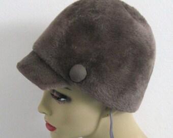 riding hat . grey riding hat . grey vintage hat . faux fur hat . Adolfo II . fur riding hat . made in Austria