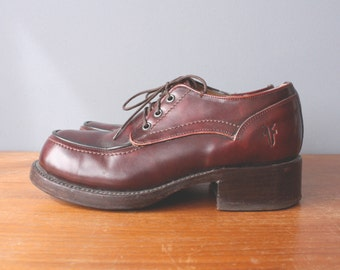 vintage frye oxfords 6.5 / 90s burgundy chunky heel shoes / womens brogues