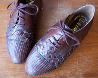 vintage woven oxfords 6.5 / checkered brogues / brown leather shoes